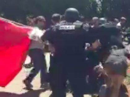 Sacramento anti-fa riot (Frances Wang / Screenshot / Twitter)