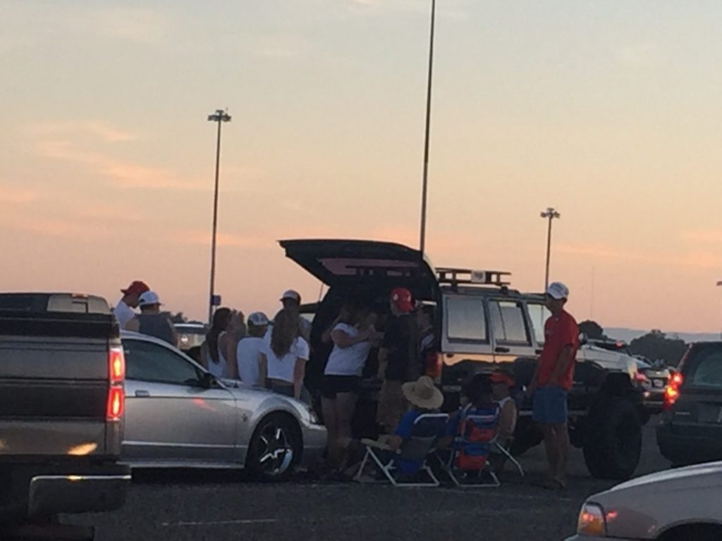 Tailgating after Trump rally in jammed parking lot (Michelle Moons / Breitbart News)