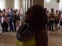 Woman's Rendition of 'Star Spangled Banner' at Lincoln Memorial Goes Viral