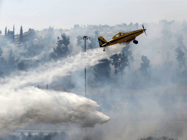 wildfires waterbomber