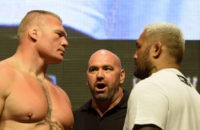 LAS VEGAS, NV - JULY 08:  UFC President Dana White (C) looks on as mixed martial artists Brock Lesnar (L) and Mark Hunt (R) face off during their weigh-in for UFC 200 at T-Mobile Arena on July 8, 2016 in Las Vegas, Nevada. The fighters will meet in a heavyweight bout on July 9 at T-Mobile Arena.  (Photo by Ethan Miller/Getty Images)