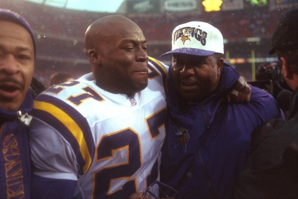 Minnesota Vikings Corey Fuller (27) and head coach Dennis Green on Dec. 27, 1997 in a first-round NFC playoff game at Giants Stadium in East Rutherford, N.J. (Photo by Ed Nessen/Sporting News via Getty Images)