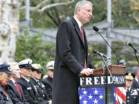 DeBlasio with some police APSeth Wenig