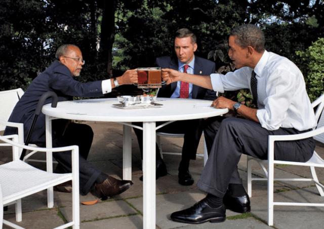 Beer summit (Pete Souza / White House)
