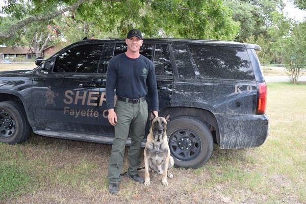 Sgt. Randy Thumann and Lobos (Photo: Bob Price/Breitbart Texas)