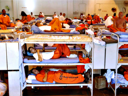 federal prisoners AP