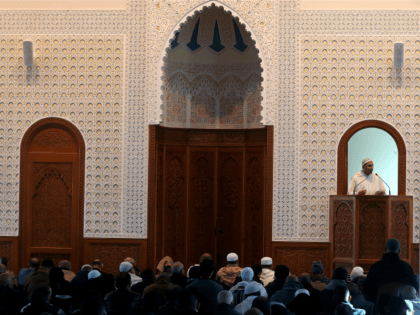 An imam gives a sermon during the Friday prayer at the Reims mosque on November 27, 2015 in tribute to the 130 people killed in the November 13 Paris attacks. AFP PHOTO / FRANCOIS NASCIMBENI / AFP / FRANCOIS NASCIMBENI (Photo credit should read FRANCOIS NASCIMBENI/AFP/Getty Images)