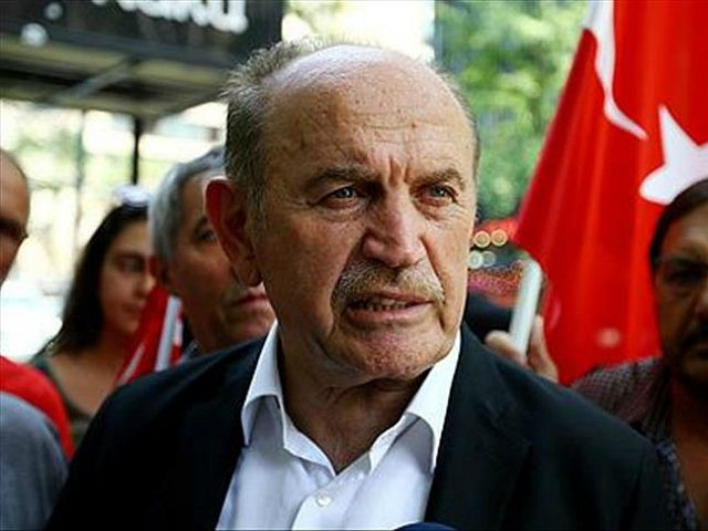 NEW YORK, USA - JULY 17: Istanbul Mayor Kadir Topbas speaks to media after the Parallel State/Gulenist Terrorist Organization's failed military coup attempt in Turkey at New York Consulate General in New York, United States on July 17, 2016. (Photo by Volkan Furuncu/Anadolu Agency/Getty Images)