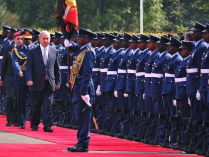 Israeli Prime Minister Benjamin Netanyahu inspects a guard of honour at the State House in Nairobi on July 5, 2016, on the second leg of his tour of sub-Saharan Africa. / AFP / SIMON MAINA (Photo credit should read SIMON MAINA/AFP/Getty Images)