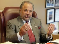 "Richard ""Bo"" Dietl, chairman and CEO of Beau Dietl & Associates, is interviewed in New York, Friday, July 31, 2009. He was a close friend of Guido Felix Brinkmann, an 89-year-old man found dead with his arms tied behind his back in his Manhattan apartment. (AP Photo/Richard Drew)"