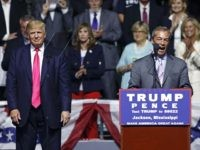Nigel Farage to Trump Rally: 'You Can Beat the Pollsters… You Can Beat Washington'