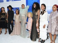 Beyoncé Brings Mothers Of Michael Brown, Trayvon Martin To MTV VMAs Red Carpet
