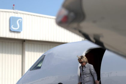 LOS ANGELES, CA - AUGUST 22: Democratic presidential nominee former Secretary of State Hillary Clinton walks off of her plane at Van Nuys Airport on August 22, 2016 in Van Nuys, California. Hillary Clinton is attending fundraisers in California. (Photo by Justin Sullivan/Getty Images)