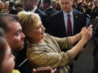 Hillary Clinton selfie (Mark Ralston / AFP / Getty)
