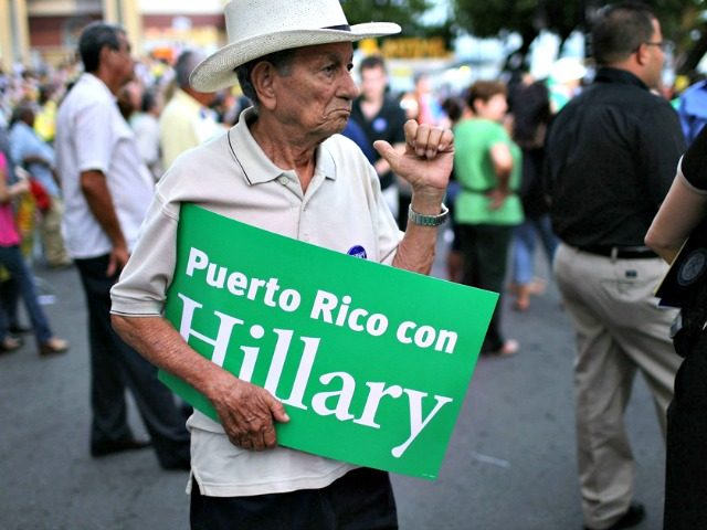 Puerto Ricans con Hillary Getty