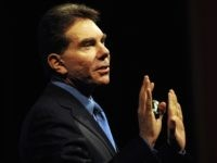 Robert Cialdini (Affiliate Summit / Flickr / CC / Cropped)