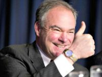 Tim Kaine thumb up PABLO MARTINEZ MONSIVAISAP