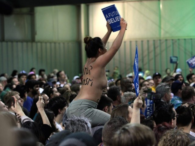 Topless Bernie supporter (Gage Skidmore / Flickr / CC / Cropped)