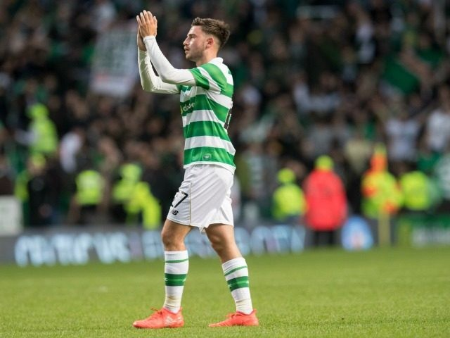 Patrick Roberts of Celtic applauds the Celtic fans at the end of the match during the UEFA Champions League Second Qualifying Round: Second Leg between Celtic Football Club and Lincoln Red Imps at Celtic Park on July 20, 2016 in Glasgow, Scotland. (Photo by Steve Welsh/Getty Images)