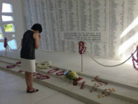 Japanese First Lady Prays, Lays Flowers at Pearl Harbor