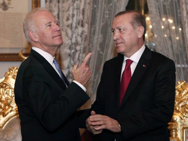 U.S. Vice President Joe Biden, left, gestures as he talks with Turkish President Recep Tayyip Erdogan, after their meeting at Yildiz Mabeyn Palace in Istanbul, Saturday, Jan. 23, 2016. (Sedat Suna, Pool Photo via AP)