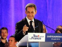 Sarkozy Tells Comeback Rally He Would Ban Burkini Across France
