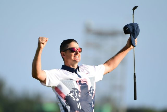 Britain's Justin Rose celebrates his victory during the Rio Olympic Games on August 14, 2016