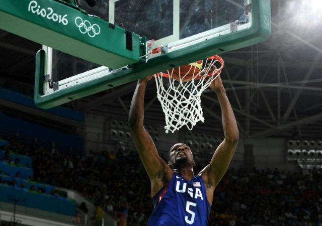 USA's guard Kevin Durant scores in Rio de Janeiro on August 21, 2016