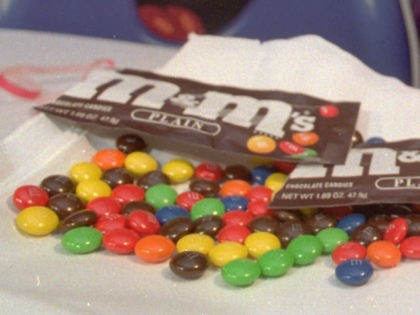 The new blue M&M is unveiled at a ceremony on the 86th floor of New York's Empire State Building on March 29, 1995. (AP Photo/Joe Tabacca)
