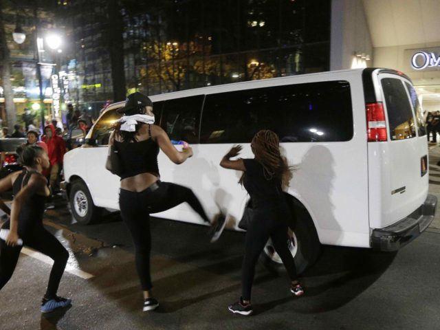Charlotte Riot (Chuck Burton / Associated Press)