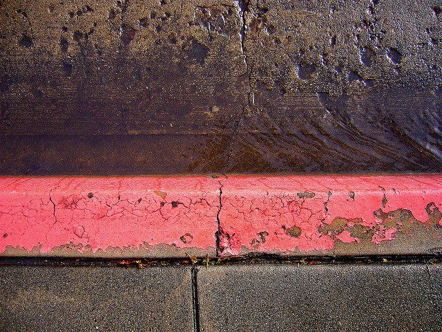 Curb (Brandon Fick / Flickr / CC)