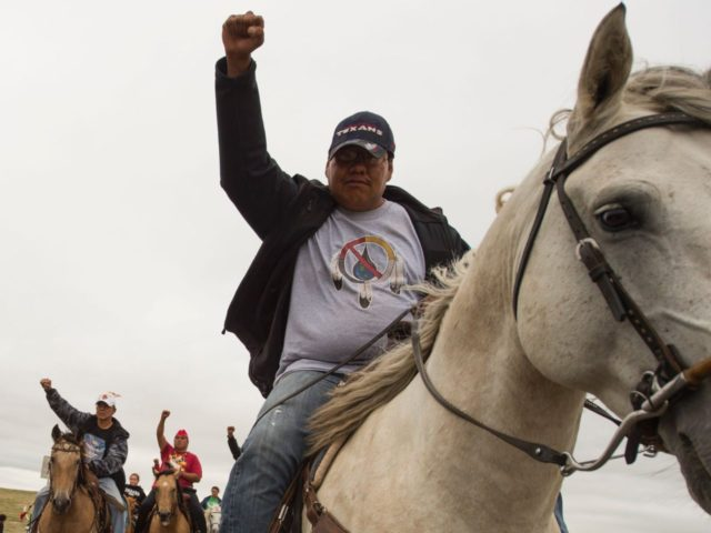 Dakota pipeline protest (Robyn Beck / Getty)