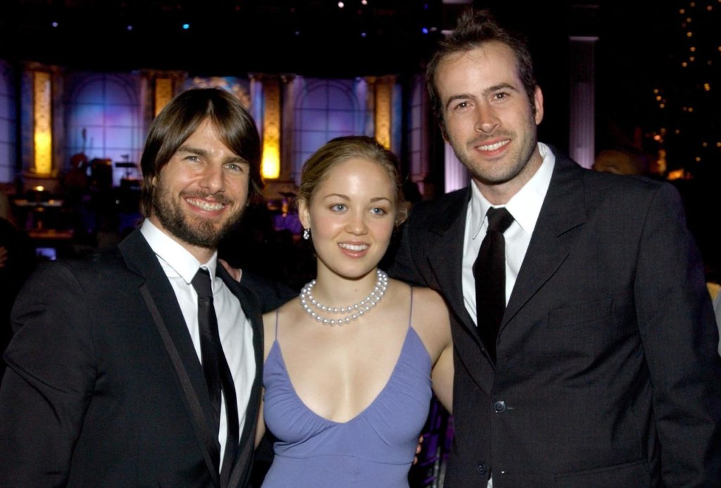 (L to R) Actors Tom Cruise, Erika Christensen and Jason Lee pose during the Church of Scientology's 33rd Anniversary Gala at the Celebrity Center on August 3, 2002 in Hollywood, California. (Vince Bucci/Getty Images)