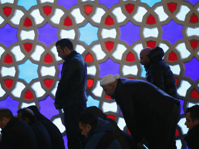 mosque prayers
