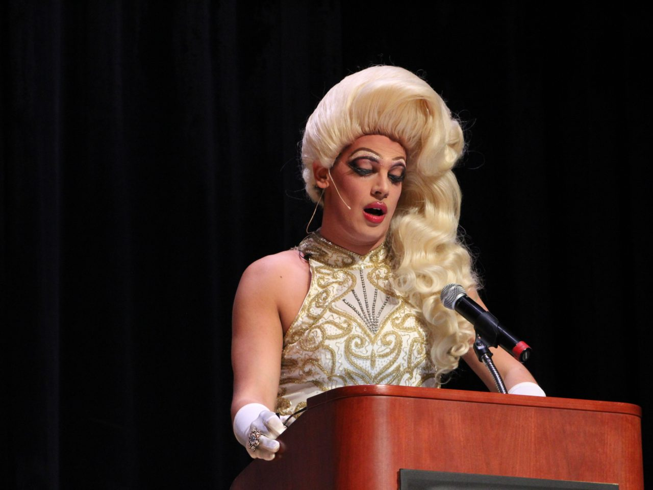 FULL PICTURES Milo As Drag Queen Ivana Wall Breitbart