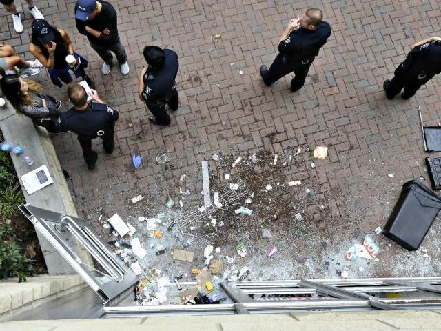 Looting-in-Charlotte-AP.jpg