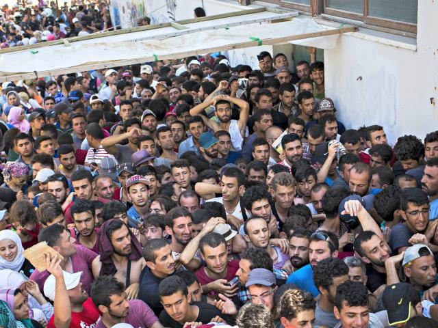 Syrian_refugees Alexander ZemlianichenkoAP
