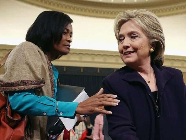 cheryl-mills-hillary-clinton-Getty-640x480