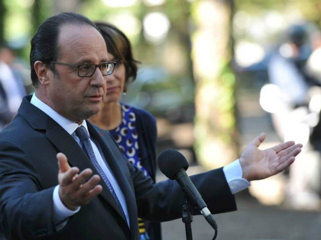 (AFP) - President Francois Hollande, under pressure from the right …