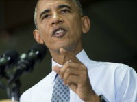 US President Barack Obama speaks to US troops at Fort Lee, Virginia, September 28, 2016. The United States will send about 600 extra troops to Iraq to train local forces for an offensive on the Islamic State group stronghold of Mosul, Defense Secretary Ashton Carter said. / AFP / SAUL …