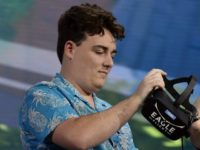 Palmer Luckey's Girlfriend Harassed Off Twitter After Gizmodo Hit Piece