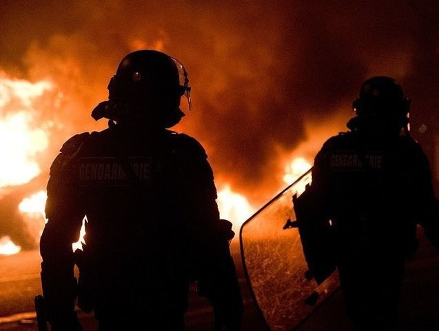 Riots, Cars Burned After Woman Ordered to Remove Full-Face Islamic Veil | Breitbart