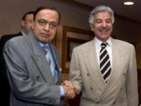 Khawaja Mohammed Asif, Murli Deora