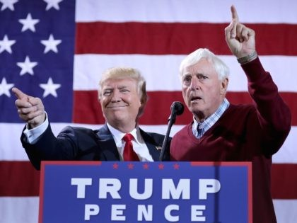 Donald Trump and Bobby Knight (Chip Somodevilla / Getty)