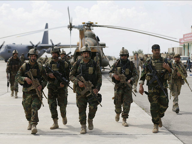 Afghan security forces arrive at the Kunduz airport in Afghanistan on April 30, 2015. REUTERS/Omar Sobhani/File Photo