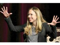 chelsea-clinton-hands AP