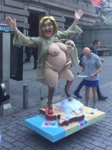 hillary _statue