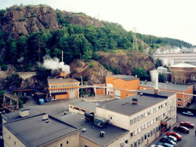 OSLO (Reuters) - A leak at a small nuclear reactor …
