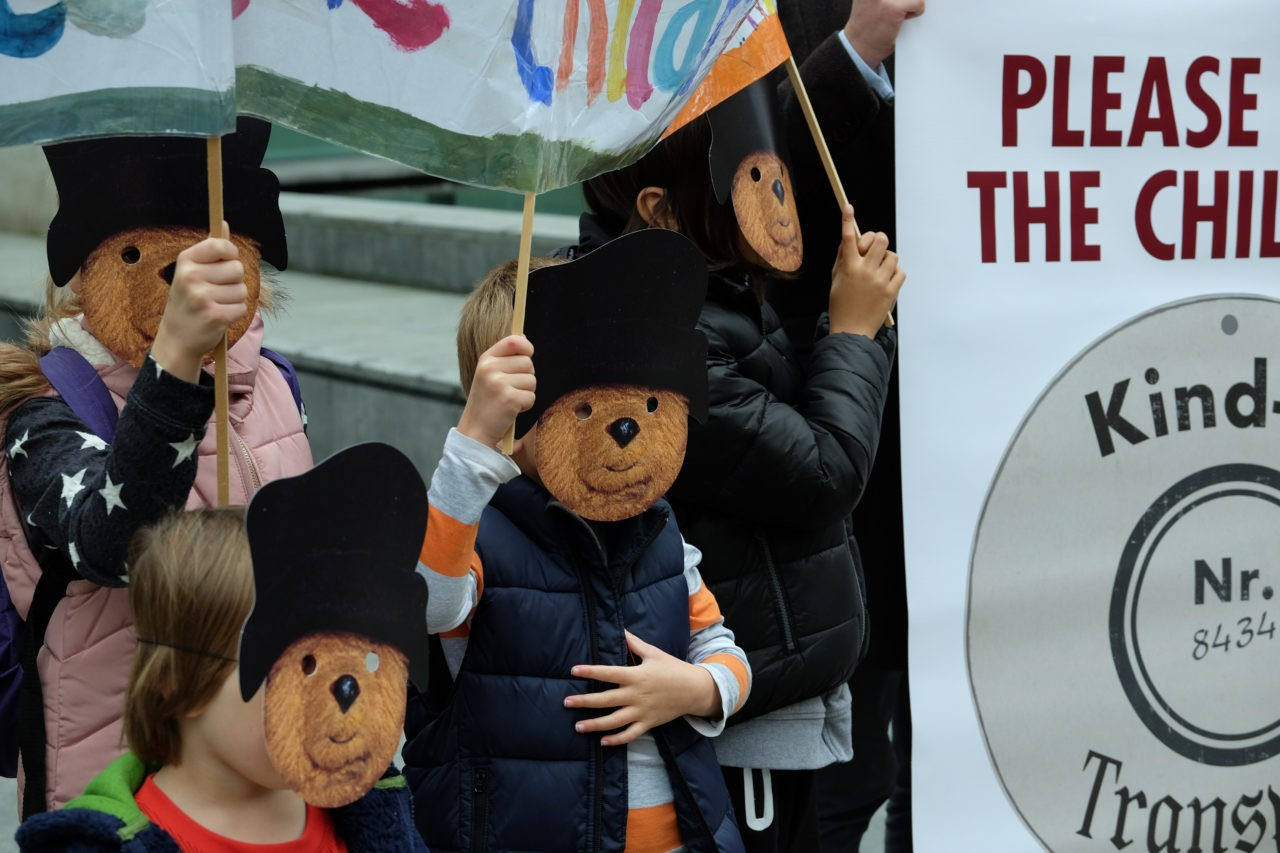Children were also drafted in to join the protest (Rachel Megawhat/Breitbart London)
