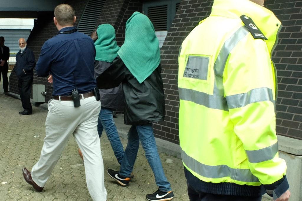 Calais refugee children arrive in Croydon